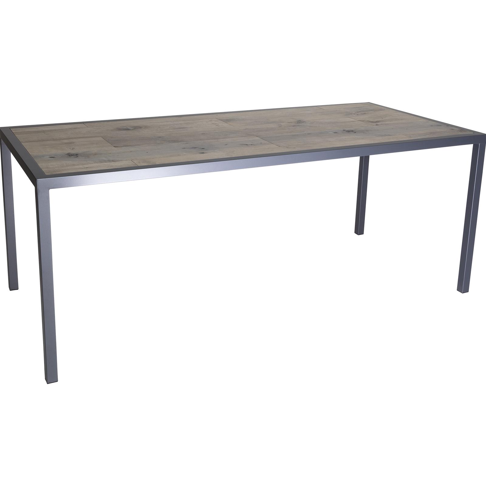 Quadra Iron Tables